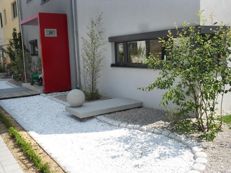 Moderner Vorgarten Reihenhaus